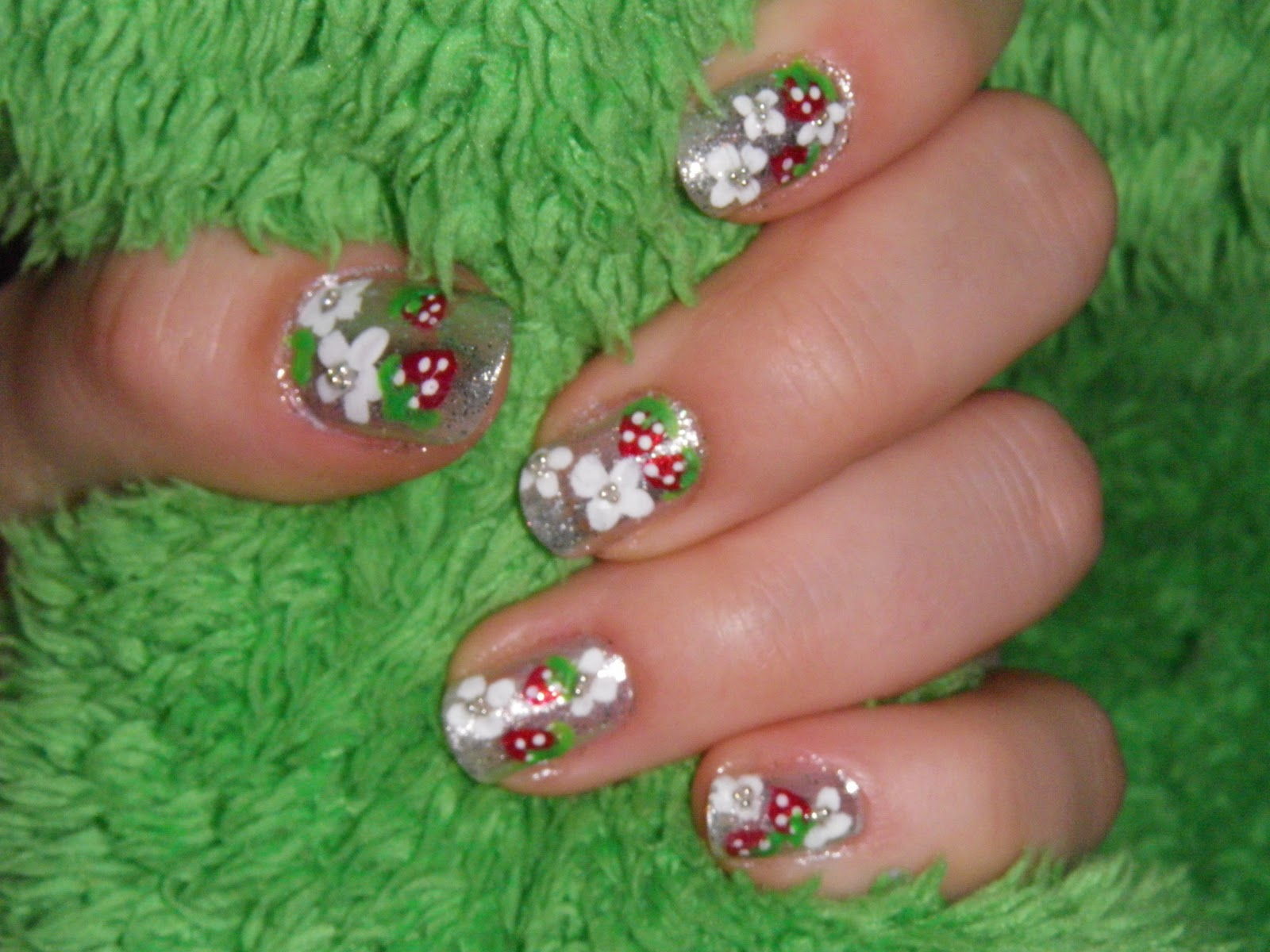 Girls that love reading: Uñas plata con flores! ^.^