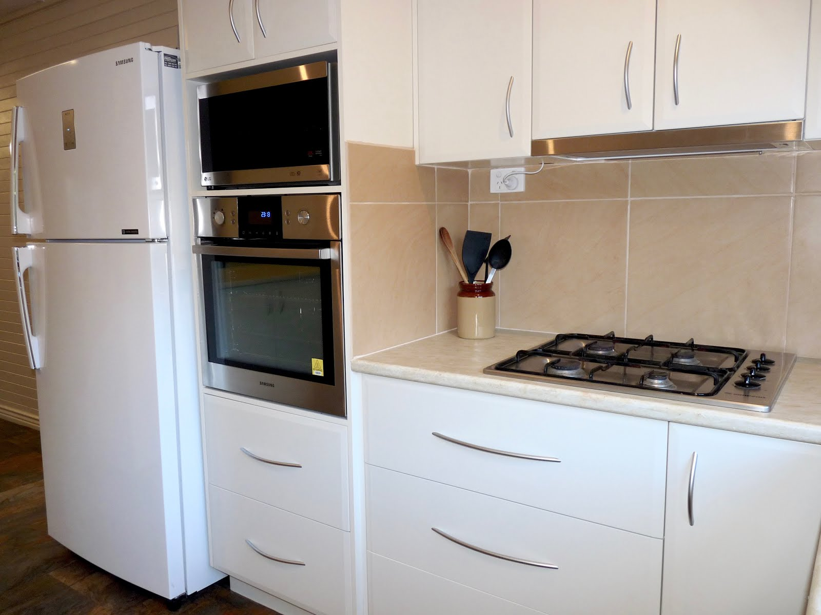 New kitchen for Banksia Cottage
