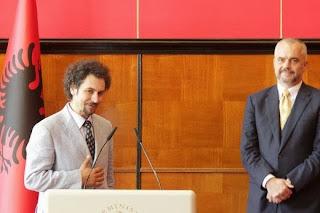 Atan Shabani ,ci mandava i curriculum adesso è direttore della Galleria Nazionale dell'arte in Albania