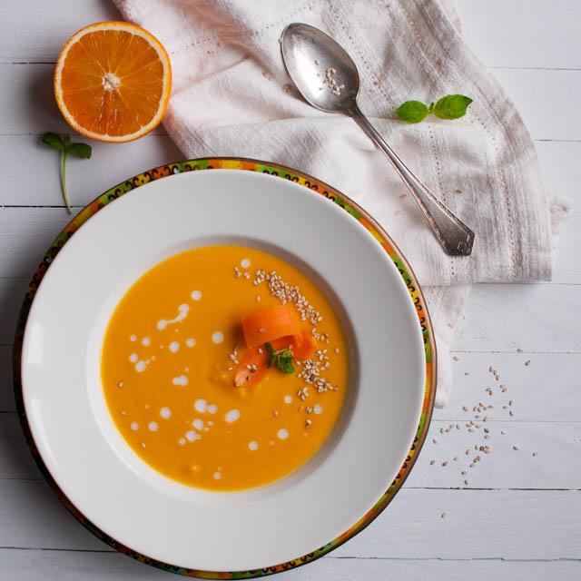 Porkkana-appelsiinikookoskeitto