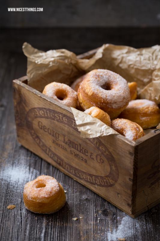 Cronut Rezept Cronuts selber machen schnell und einfach aus Blätterteig #cronuts #cronut #donuts