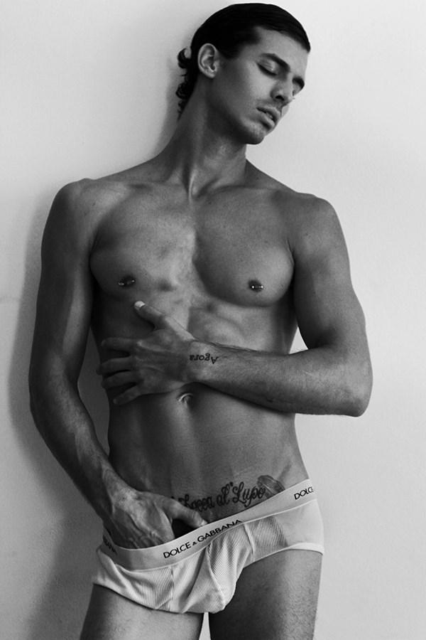naked+brasilian+model