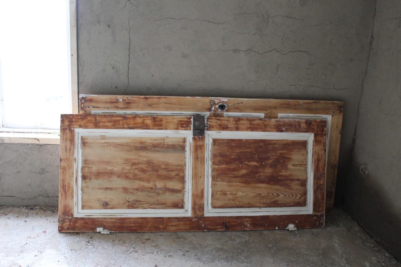 PÃ¥ ÖstergÃ¥rden : slipning av mÃ¥nga färglager : gamla innerdörrar : Inredning