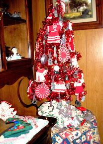 VINTAGE RED TREE