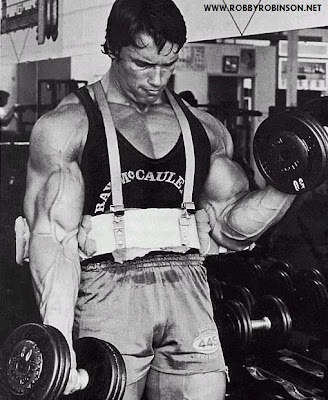 "ARNOLD SCHWARZENEGGER - ""THE OAK""  OLD SCHOOL TRAINING - ARM BLUSTER DUMBBELL BICEPS CURLS ROBBY'S MASTER CLASS ▶ www.robbyrobinson.net/master-class.php"