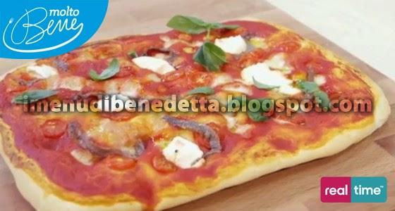 Pizza con Sugo di Pomodoro Ricotta e Acciughe di Benedetta Parodi