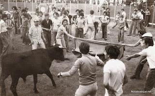 Candelario Salamanca fiestas 1972 una vaquilla para muchos mozos