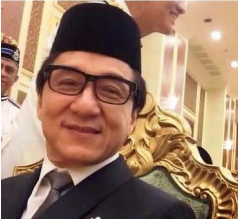 Kabar Jackie Chan Masuk Islam