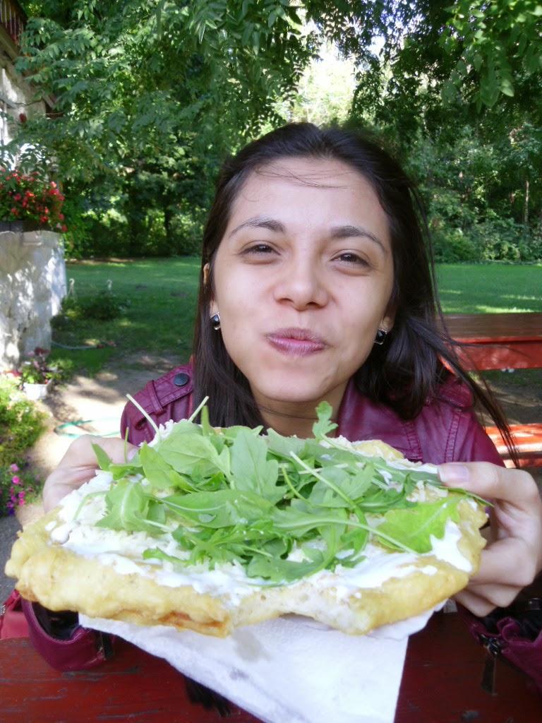 Comendo langos na Margaret Island