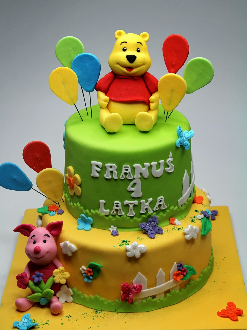 Winnie The Pooh And Piglet Birthday Cake