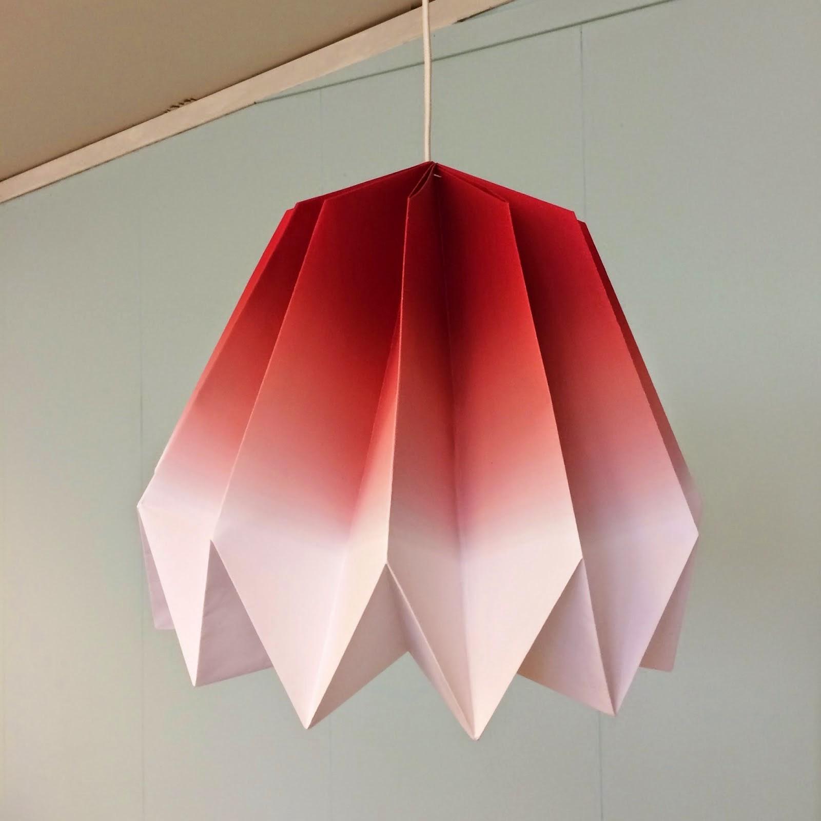 Interiør og utstillingsdesign: interiØr frelst: lampe i bretteteknikk