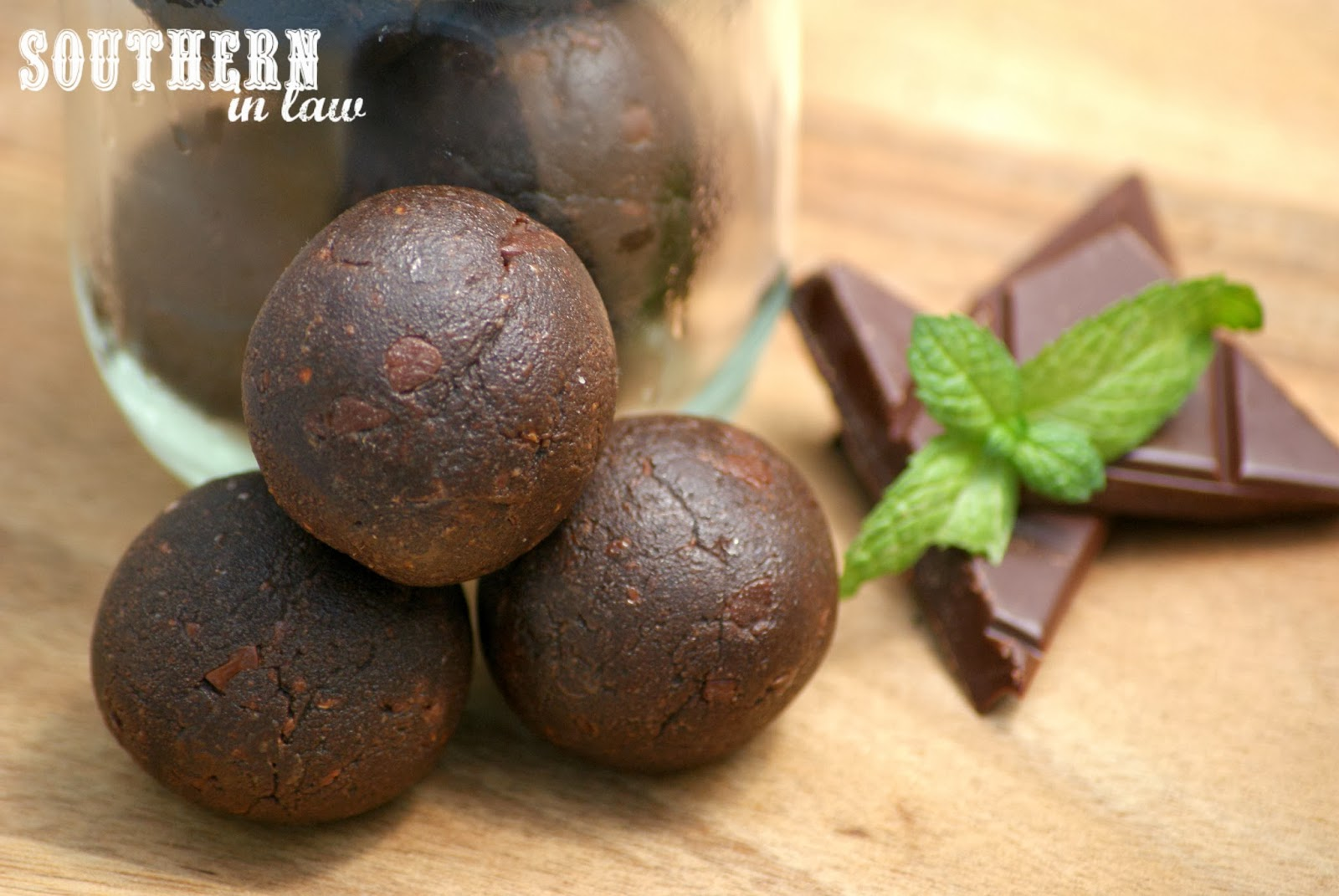 Mint Chocolate Raw Balls Recipe - Gluten Free, Healthy, Low Fat, Paleo, Clean Eating Friendly, Grain Free, Peanut Free, Egg Free, Vegan
