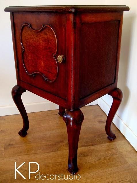 Mesitas vintage auxiliares. Muebles antiguos online