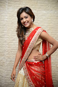 vithika sheru half saree photos-thumbnail-19