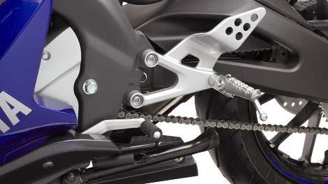 Yamaha YZF R125 2014 sudah menganut suspensi depan upside down . . . !