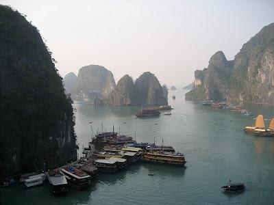 Tempat Wisata Indah Ha Long Bay - Vietnam