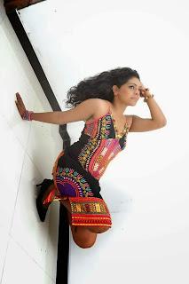 Nirosha Thalagala legs