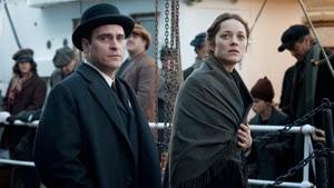 Joaquin Phoenix y Marion Cotillard en El sueño de Ellis