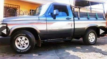 Caminhonete D-20 é roubada em Guaraciaba do Norte, nesta terça-feira.