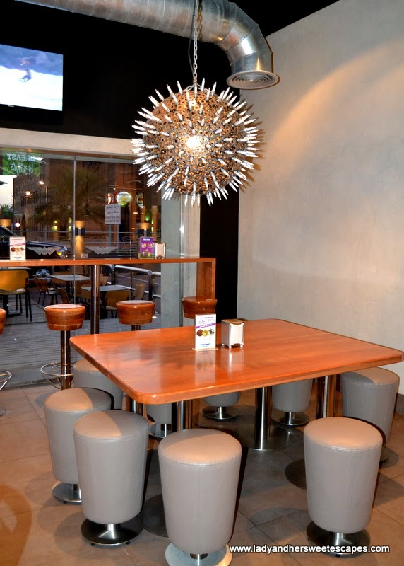 BurgerFuel's cool and casual interior