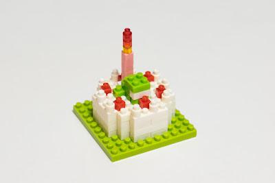 ナノブロックで作った、バースデーケーキ