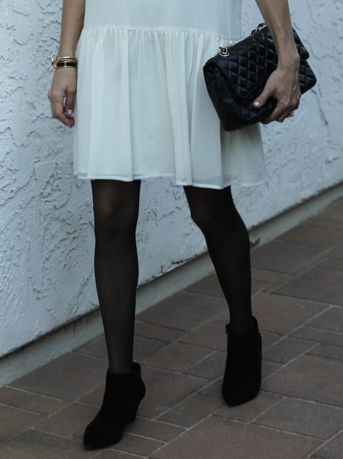 white dress black pantyhose
