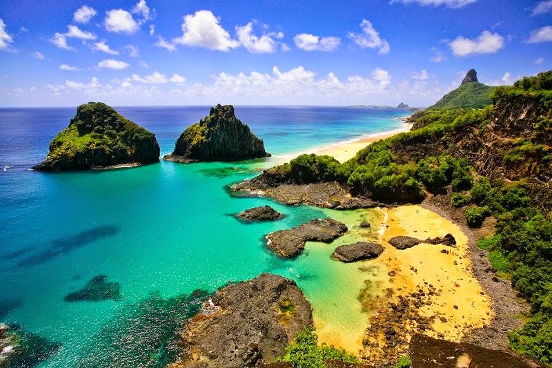 Pantai-Terindah-di-Dunia-Fernando-de-Noronha-Brazil