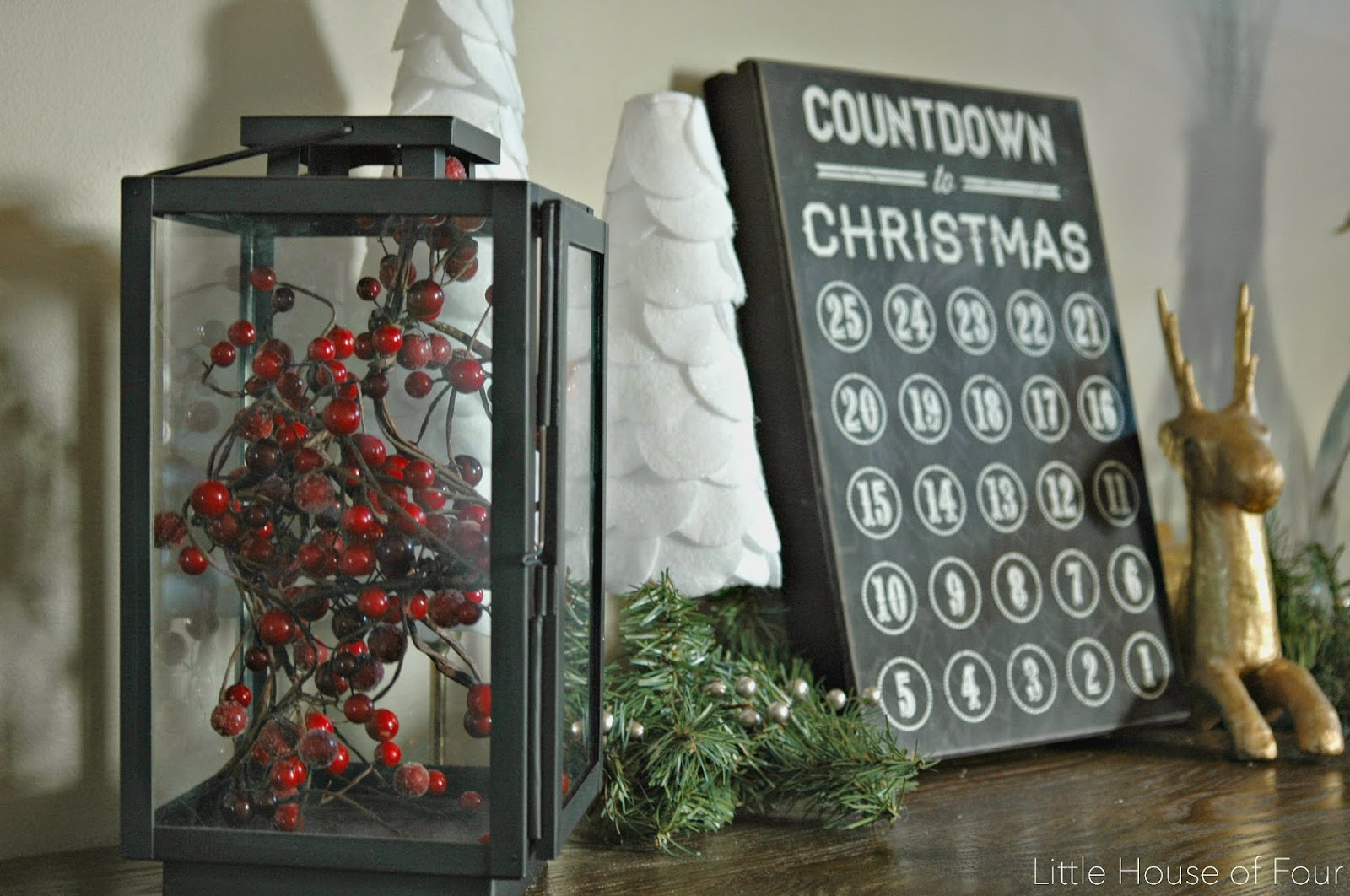 Christmas entry table styling