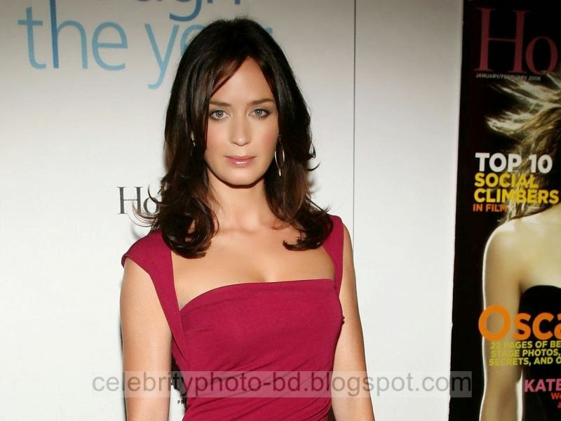 Emily+Blunt+New+Latest+Hot+Photos+With+Short+Biography021