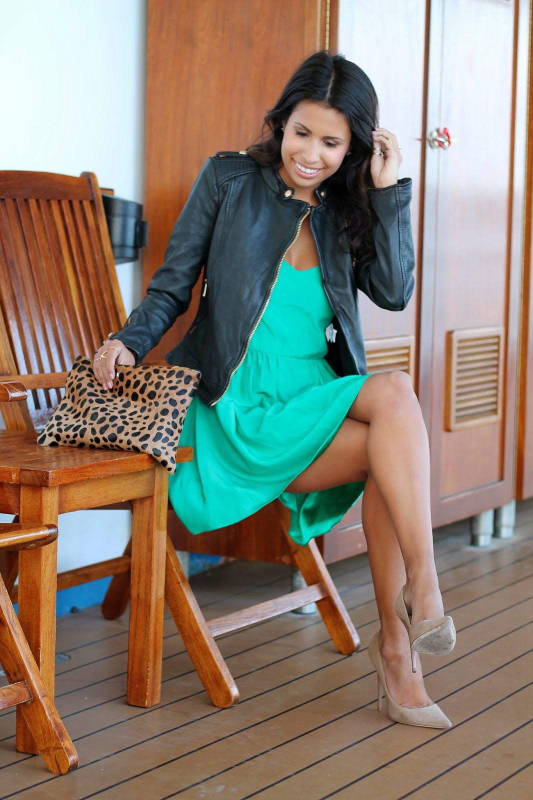 what to wear on a cruise ship, clare vivier clutch, green parker new york dress