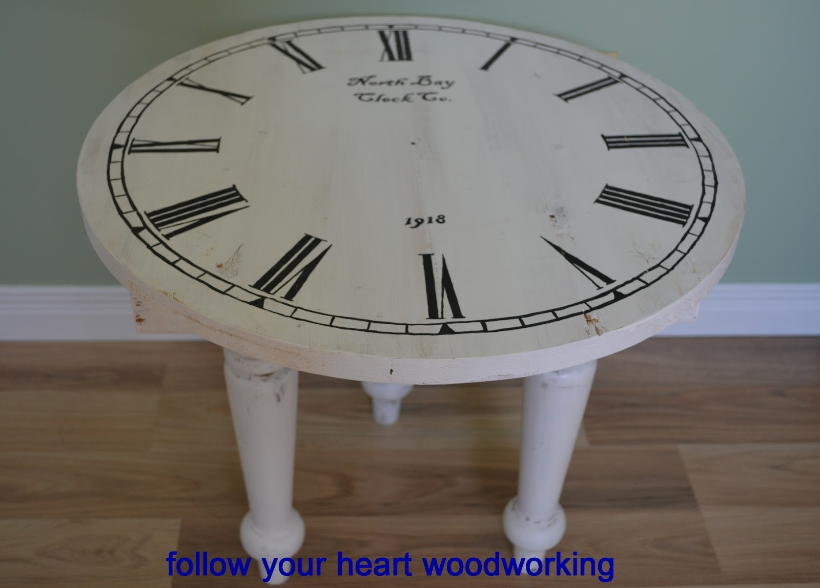 Great Bday Clock Face Table Inspiration