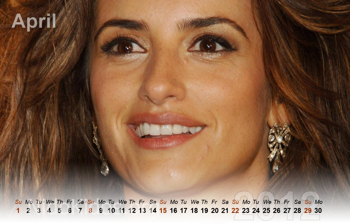 http://1.bp.blogspot.com/-ZdZjBMgDpO0/TrDR6roAZ1I/AAAAAAAABGE/l6XOM72Okb8/s1600/Penelope+Cruz+Unofficia+calendar+2012+%25283%2529.jpg