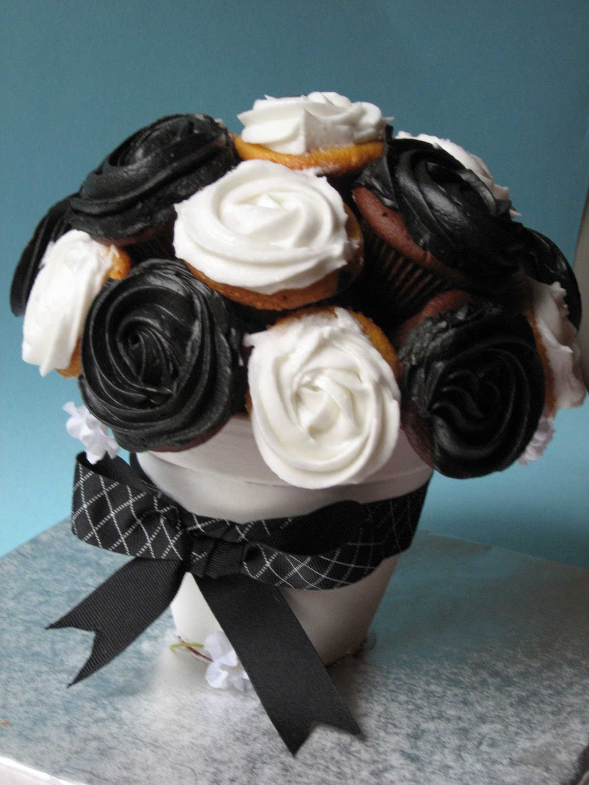 Inspirations Of Wedded Bliss Cupcake Centerpieces