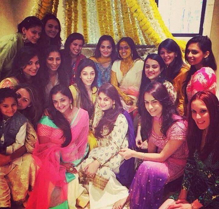 Shahrukh Khan at Salman Khan's Sister Arpita Khans Wedding ceremony