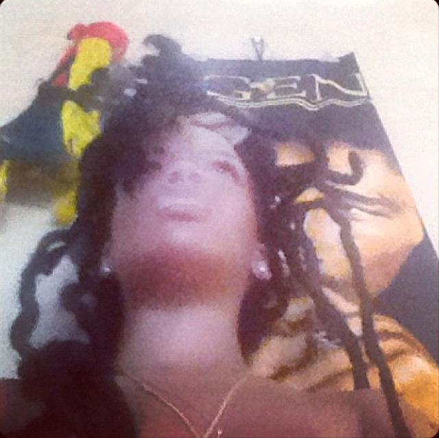 Rihanna publica fotos con dreads rasta