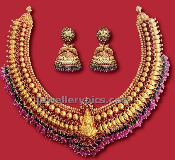antique lakshmi necklace with ruby bunches