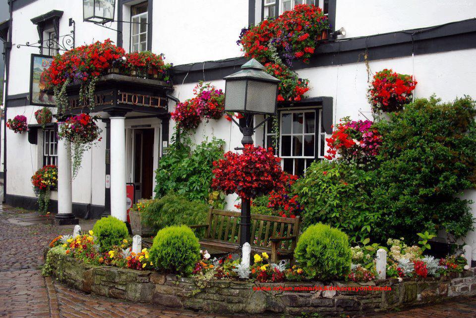O espa o de eva fachadas de casas con flores - Casas y jardines decoracion ...