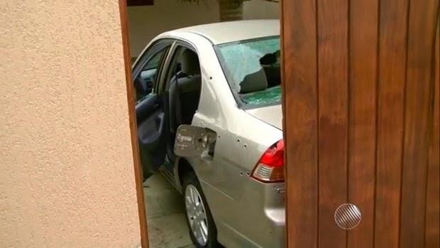 Bandidos estavam saindo com médica quando PM chegou (Foto: Reprodução/TV Bahia)