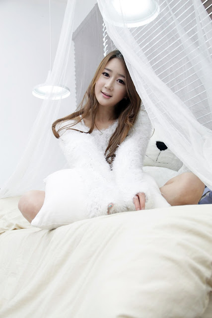 5 Han Chae Yee in White - very cute asian girl - girlcute4u.blogspot.com