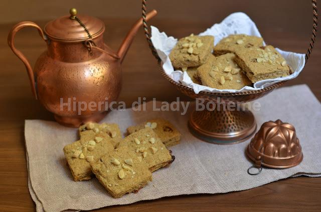 hiperica_lady_boheme_blog_di_cucina_ricette_gustose_facili_veloci_dolci_biscotti_con_farina_integrale_e_zucchero_di_canna_2