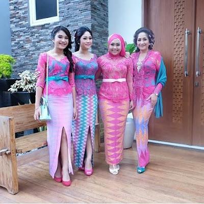 kebaya pink panjang dengan rok batik rangrang