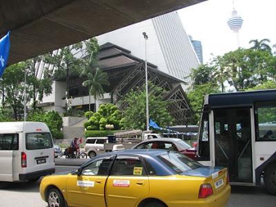 Những lưu ý cho bạn khi đi du lịch malaysia giá rẻ