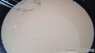 Cách làm bánh su kem thơm ngon không cần lò nướng5