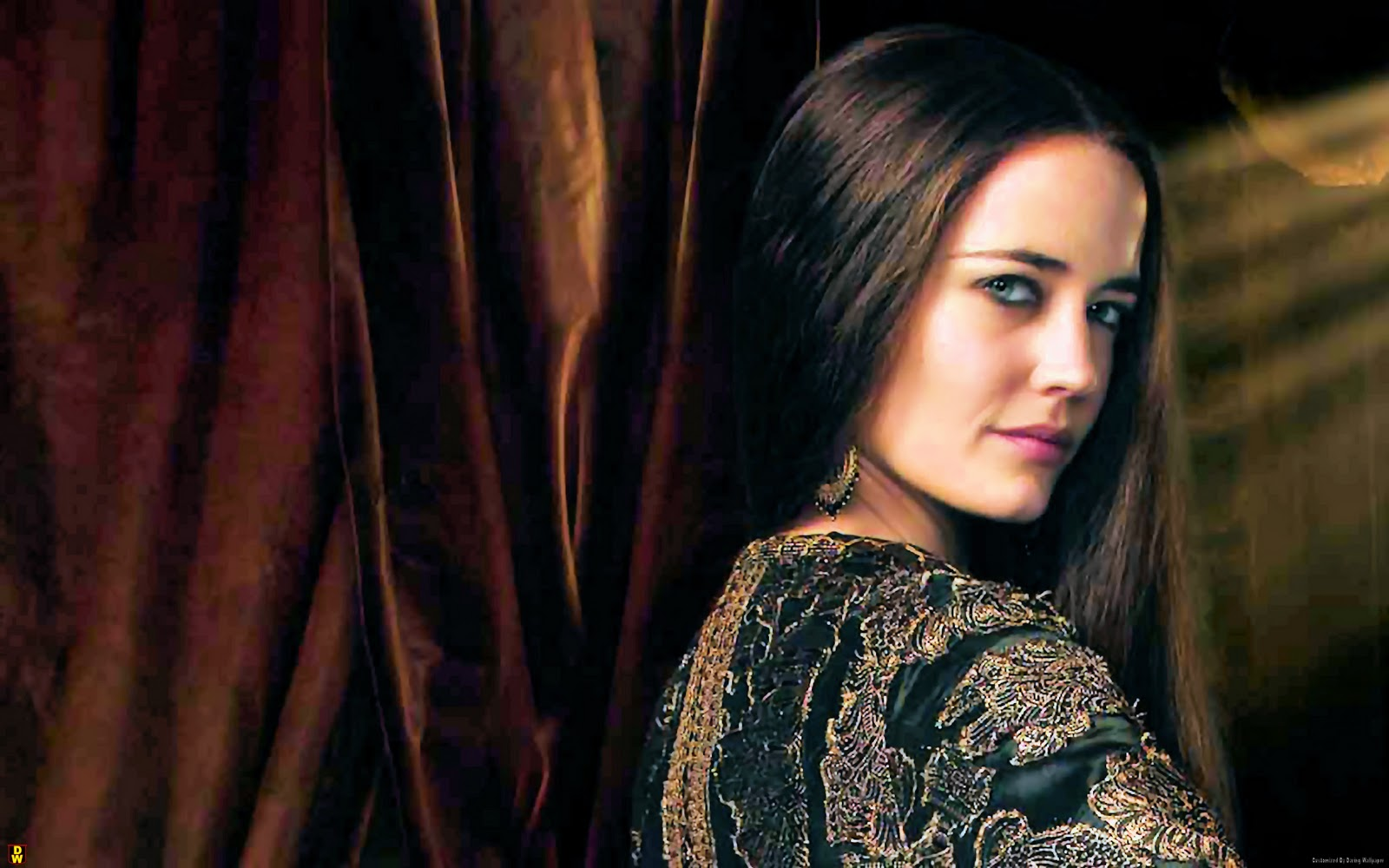 eva green takes on the title role in 300 battle of