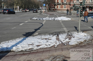 "Fake-Winterdienst: ""Geräumter Radweg"" Johannes-Brahms-Platz"