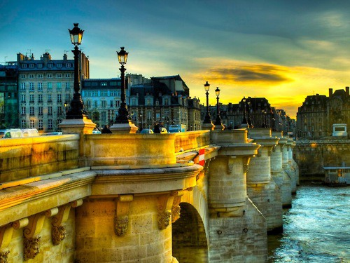 PONT NEUF BRIDGE IN PARIS, FRANCE