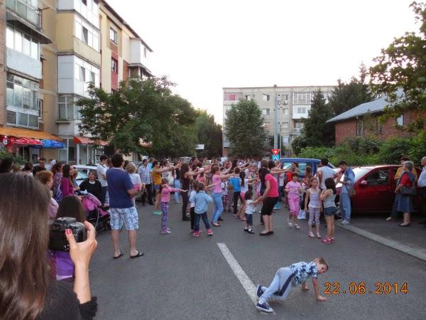 Dansul a ocupat si strada mea