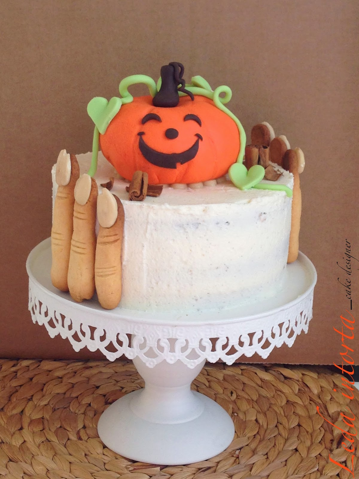 torta di Halloween, tutorial cake design, Leda intorta, Le torte di Leda, Dolcidee