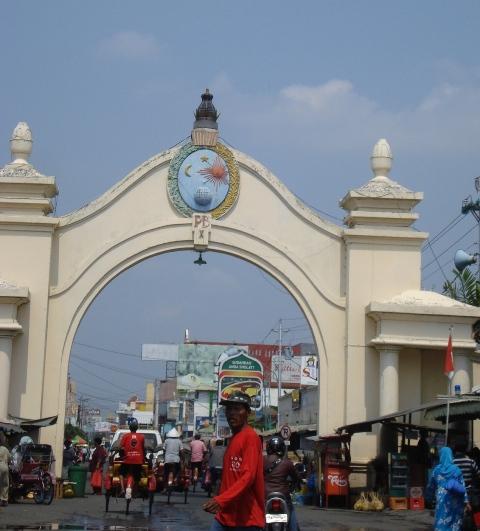 Skyhils  Berburu Batik di Pasar Klewer a82377bc4e