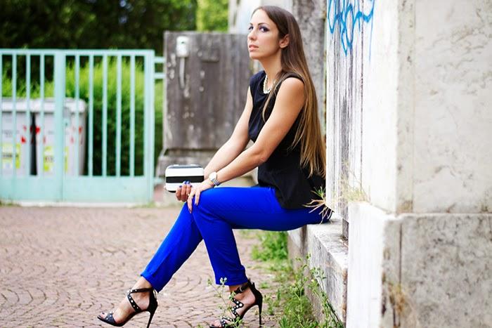nero+blu elettrico